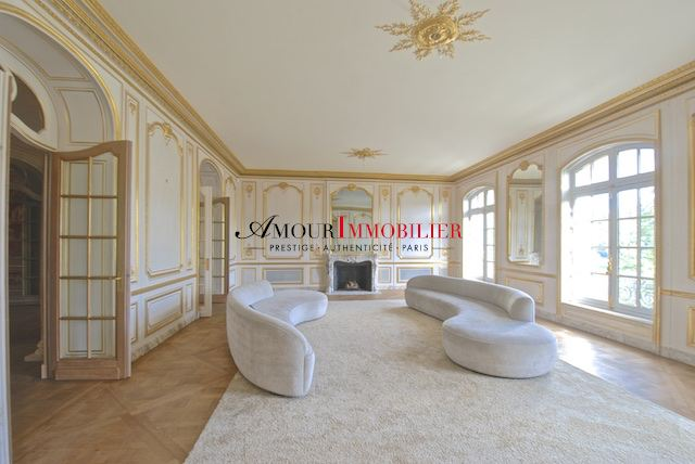 Appartement . 5 chambres . 404 m²