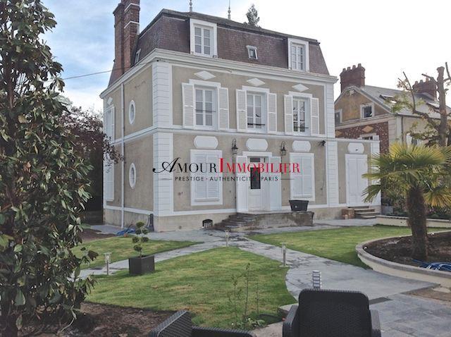 Maison . 5 chambres . 320 m²